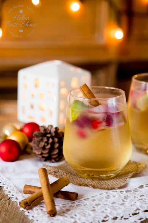Gin-and-Appletiser-a-Christmas-Cocktail-2